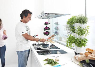 Lillepott-nurgapeenar kööki (1)